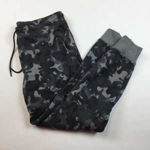 Nike Tech Fleece Women's Camouflage Pants U3-31